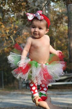 Basic Tutu (Christmas with dotted tulle) Christmas Tutu, Baby Girl Christmas, Christmas Photos, Baby Baby, Baby Kids, Baby Mermaid, Tutus For Girls, Baby Essentials, Cool Things To Make