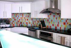 Dream kitchen components: white cabinetry, stainless steel appliances, quartz countertops and a colorful backsplash Best Kitchen Colors, Kitchen Paint Colors, Beautiful Kitchens, Cool Kitchens, Kitchen Colour Schemes, Color Schemes, Blue Backsplash, Color Tile, Kitchen Tiles