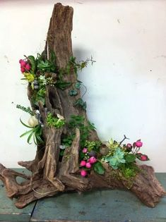 Le plus récent Photos pot de Fleurs diy Suggestions Flower Arrangement Designs, Artificial Flower Arrangements, Beautiful Flower Arrangements, Artificial Flowers, Floral Arrangements, Plant Crafts, Garden Crafts, Garden Projects, Driftwood Planters