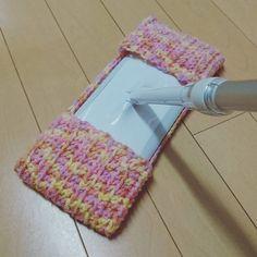 フローリングワイパーに使える#エコモップ を試作♪ 前回作ったものは、ボタンで留めるタイプにしたんですが、洗うときなどに邪魔になっていたので、形を変えてみました(≧∇≦) . - - - - - - - - - - - - - - - - - - - - - - - - - - - - - - - - - お問い合わせ・ご注文は、DMでお気軽にどうぞ♪ #ハンドメイド  #宮崎市  #ハンドメイド帽子 #どんぐり帽子 #ねこ耳帽子 #ねこ雑貨 #minne #編み物  #あみぐるみ #猫 #多頭飼い #保護ねこ #にゃんすたぐらむ #ねこ部 #黒猫 #三毛猫 #茶トラ #スモーク #オーダー受付中 #かぎ針編み