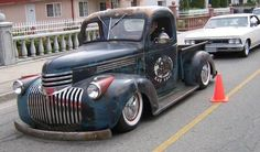 Sweet lookin 46 Chevy pickup More Old Pickup Trucks, Hot Rod Trucks, Dodge Trucks, Chevrolet Trucks, Cool Trucks, Truck Drivers, 1946 Chevy Truck, Classic Chevy Trucks, American Classic Cars