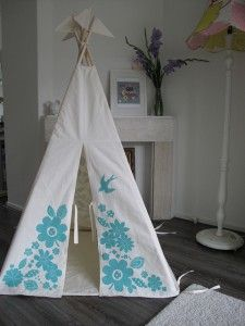 love the pattern on this teepee