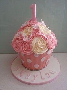 Cake smash taart. Deze bakvorm is te koop via Bouwhuis.com