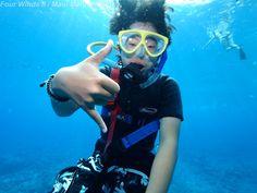 Looking totally cool on a Maui snorkel tour at  Molokini Crater!