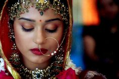 Amrita Rao in Vivah Wedding Dress Film, Wedding Dresses Men Indian, Indian Wedding Jewelry, Indian Weddings, Bengali Bridal Makeup, Bridal Makeup Looks, Bridal Looks, Beautiful Bollywood Actress, Most Beautiful Indian Actress