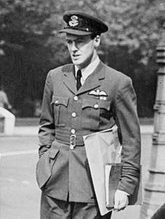 #TuesNews Happy Birthday to Roald Dahl! This very talented author wasn't only recognised for his fantastic novels but also for his bravery as an RAF Fighter Pilot during the Second World War. #100YearsAnniversary #RoaldDahlDay