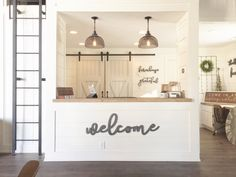 Five favorite small shops - dog grooming shop, farmhouse design, french Metal Welcome Sign, Small Shop, Salon Interior Design, Interior, Cafe Interior, Salon Decor, Store Interior, Clinic Design, Store Design