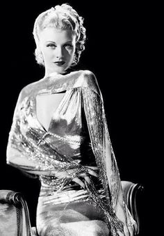 Ginger Rogers - now she had Class! Love the Lame (la-MAY! I can't put the french accent on it. Old Hollywood Glamour Vintage Hollywood, Old Hollywood Glamour, Golden Age Of Hollywood, Hollywood Stars, Classic Hollywood, Hollywood Fashion, Ginger Rogers, Vintage Dior, Vintage Glamour
