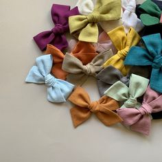 These hair bows are handmade using cotton linen, availble in 29 colours, with gorgeous soft and bold textures that contrast perfectly with smooth hair and dark or denim outfits. Baby Girl Hair Clips, Girl Hair Bows, Girls Bows, Pinwheel Bow, Fabric Hair Bows, Toddler Girl Style, Head Bands, Smooth Hair, Learn To Sew