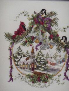 Cross Stitch Christmas Ornaments, Xmas Cross Stitch, Cross Stitch Love, Christmas Embroidery, Cross Stitch Flowers, Christmas Cross, Cross Stitch Charts, Cross Stitch Designs, Cross Stitching