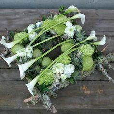 berkentakken decoratie - Google zoeken Art Floral, Floral Design, Unique Flower Arrangements, Unique Flowers, Pretty Flowers, Funeral Arrangements, Fall Arrangements, Funeral Flowers, Wedding Flowers