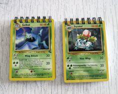 Pokemon Mini cuaderno  cartas de reciclado por StalkingMarla