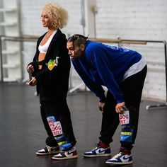 """Chris Brown has teamed up with DaniLeigh on the remix to her single """"Easy"""". Music video coming soon. Chris Brown Outfits, Chris Brown Style, Breezy Chris Brown, Mode Streetwear, Streetwear Fashion, Girl Outfits, Cute Outfits, Fashion Outfits, Chris Brown Wallpaper"""