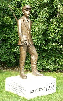 1956-os forradalom – Wikipédia Budapest, Garden Sculpture, Outdoor Decor, Art, Art Background, Kunst, Performing Arts, Art Education Resources, Artworks