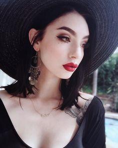 46 Amazing Makeup Looks to Try - #makeup #lipstick #beauty #eyeliner #eyebrows