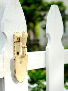 ~ trowel door knocker on garden gate :)