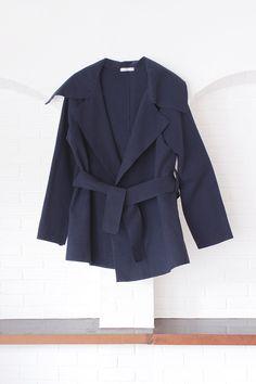 Blue Velvet Jacket : Street Fashion Outfits & Authentic Vintage [เสื้อผ้าสตรีทแฟชั่่น เดรสวินเทจพรีเมี่ยม]