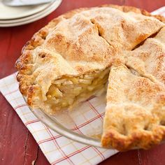 Want to learn how to bake apple pie? Our homemade apple pie recipe uses Granny Smith & McIntosh apples, delivering a perfect balance of sweet & tart. Homemade Apple Pies, Apple Pie Recipes, Baking Recipes, Gala Apple Pie Recipe, Baking Tips, Classic Apple Pie Recipe, American Test Kitchen, Fresh Peach Pie, Cooks Country Recipes