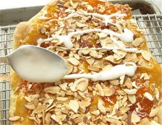 If I had just one recipe to take with me to a dessert island. Pastry Recipes, Cooking Recipes, Bread Recipes, Great Desserts, Dessert Recipes, My Favorite Food, Favorite Recipes, Favorite Things, Almond Pastry