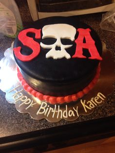 I need to work on my writing . But SOA cake for a friend ! Fondant layer