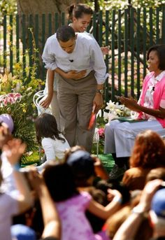 President Barak Obama With Malia & 1st Lady Michelle Obama... Easter....