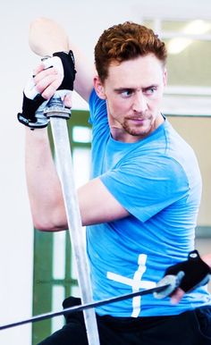 DAMN. How.....just how? How does a person like Tom Hiddleston even exist???