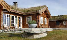 Et lite utvalg av våre 500 bygde hytter Log Homes, Sweet Home, Cabin, House Styles, Home Decor, Log Home, Timber Homes, Decoration Home, House Beautiful