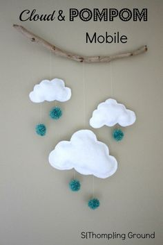 DIY Project - CD Wallet Scrapbook : wedding, kids sports, travel adventures etc. S{Thomp}ing Ground: Cloud and PomPom. Sewing Projects, Craft Projects, Projects To Try, Felt Crafts, Diy And Crafts, Diy For Kids, Crafts For Kids, Ideas Habitaciones, Baby Deco