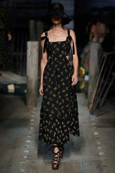 Erdem Spring 2017 Ready-to-Wear Fashion Show - Janice Alida