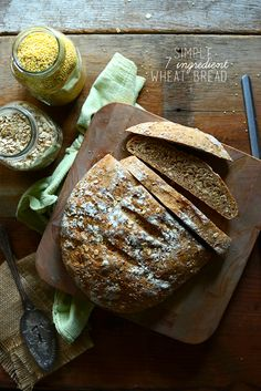 Healthy 7 INGREDIENT whole grain bread | minimalistbaker.com