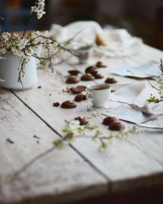 Spring Poem, Spring Sign, Cute Photography, Slow Living, Food Pictures, A Table, Feta, Tea Time, Beautiful Flowers