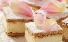 Papal Cream Cake / Kremowka Papieska - Puff Pastry with Vanilla Cream. Tea Recipes, Sweet Recipes, Dessert Recipes, Just Desserts, Delicious Desserts, Frozen Puff Pastry, Afternoon Tea Parties, Tea Sandwiches, Tea Cakes