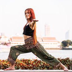 Calça Chang | R$10900 | Frete grátis | calcathai.com  Além de linda a Calça Chang também te dá muita elasticidade para se movimentar em busca de seus prazeres. Acesse calcathai.com e escolha a sua! #calçathai #calçachang #verde #novidade #moda #modafeminina #calça #elasticidade #conforto #estampa #boho #hippie