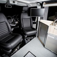 The Clark's Traditional 'Lux' BI-Turbo Edition Camper Conversion - New Wave Custom Conversions Vw Camper Conversions, Sprinter Conversion, Camper Van Conversion Diy, Vw T5 Interior, Campervan Interior, Campervan Ideas, Interior Ideas, Interior Design, Land Rover Defender