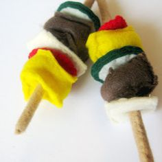 Felt Kabobs #DIY #Sewing #Sew #Toys #FeltFood #PlayFood #Kids #Toddlers