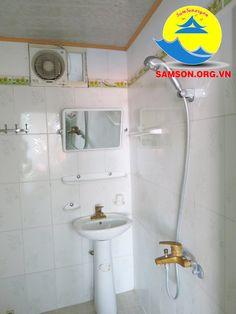 phòng tắm khách sạn Hoa Phượng Sầm Sơn