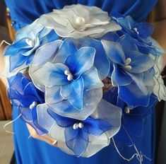 New DIY project for the lovers of handmade products. Flowers from nylon stockings. Colours: navy blue, royal blue and white Royal Blue, Navy Blue, Blue And White, Handmade Products, Nylon Stockings, Blue Wedding, Wedding Bouquets, Succulents, Diy Projects
