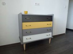 grey dresser with yellow drawers - dresser yellow grey _ grey and yellow dresser _ yellow and grey dresser diy _ grey dresser with yellow drawers Funky Furniture, Recycled Furniture, Paint Furniture, Furniture Making, Furniture Makeover, Furniture Design, Dining Room Dresser, Mid Century Modern Furniture, Yellow Drawers