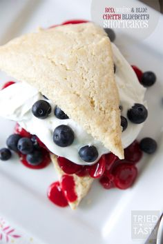 Red, White & Blue Cherry Blueberry Shortcakes // A heavenly patriotic dessert that's light and wonderful! Perfect for your Memorial Day or of July get together. Patriotic Desserts, Holiday Desserts, Just Desserts, Holiday Recipes, Delicious Desserts, Holiday Bars, Fall Recipes, Holiday Ideas, Holiday Gifts