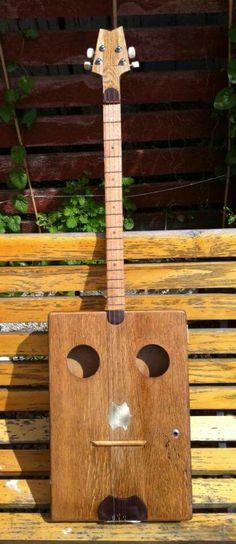 Cutlery box guitar