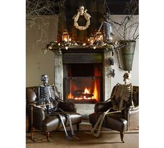 Halloween is about getting spooked. And that usually means you require scary Halloween decorations. Halloween offers an opportunity to pull out all the decorating stop. So get ready to spook up your home with some spooky Halloween home decor ideas below. Retro Halloween, Spooky Halloween, Modern Halloween, Scary Halloween Decorations, Halloween Home Decor, Holidays Halloween, Halloween Party, Happy Halloween, Halloween Fireplace