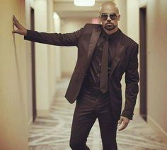 This man right here! He can wear a suit. Love me some Shemar. Gorgeous Black Men, Beautiful Men, Beautiful People, Shemar Moore Shirtless, Stylish Men, Men Casual, Casual Outfits, Sherman Moore, Madrid