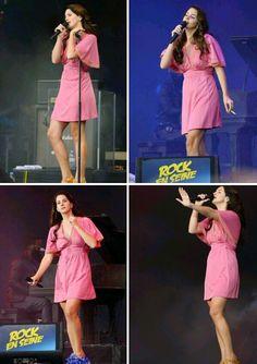Lana Del Rey performing at Rock En Seine Festival in Paris 2014 #LDR