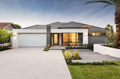 Contemporary single family residence located in Australia, designed by Webb & Brown-Neaves. Description by Webb & Brown-Neaves The Cambridge is a contemporary take on mid-century style architecture.