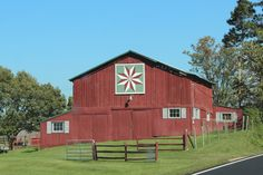 two of my favorite things...barns and quilts