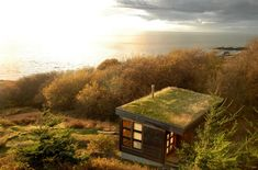 Coolest Cabins: Cliff Top Log Cabin