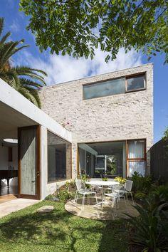 Boa dose de verde pontua projeto arquitetônico