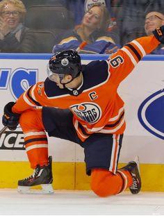 Connor Mcdavid, Edmonton Oilers, Field Hockey, Hockey Players, Nhl, Captain America, Hot Guys, Beast, Sports