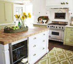 Suzie: FOUND - Gorgeous white & green kitchen with white kitchen cabinets, spring green kitchen . Kitchen Set Up, Green Kitchen, Kitchen Colors, Kitchen Decor, Country Kitchen, Kitchen Ideas, White Kitchen Cabinets, Kitchen Cabinet Design, Green Cabinets