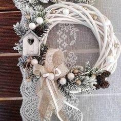 Christmas Fireplace, Gold Christmas, Christmas Holidays, Xmas, Christmas Ornament Wreath, Christmas Wreaths, Christmas Crafts, Wicker Hearts, Handmade Christmas Decorations